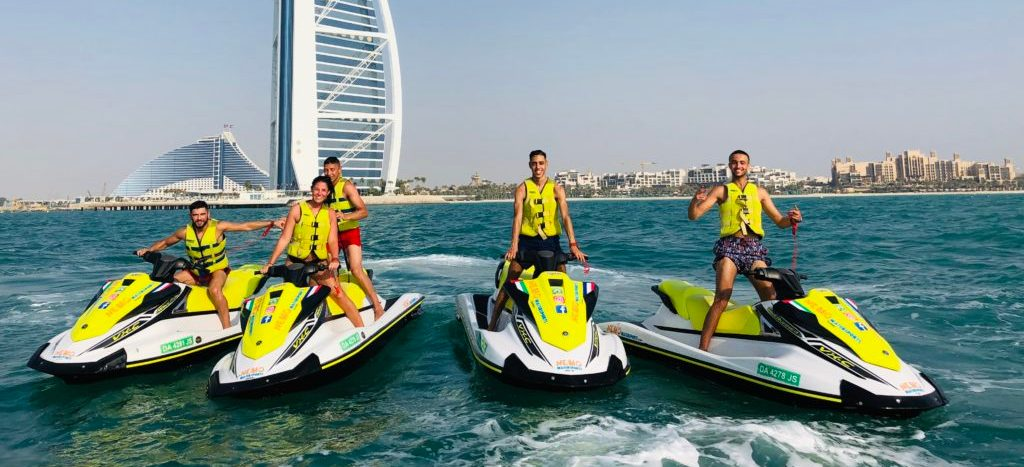 How much does it cost to jet ski in Dubai?